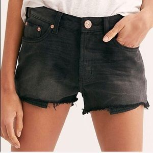 NWT one teaspoon panther truckers shorts- sz 27